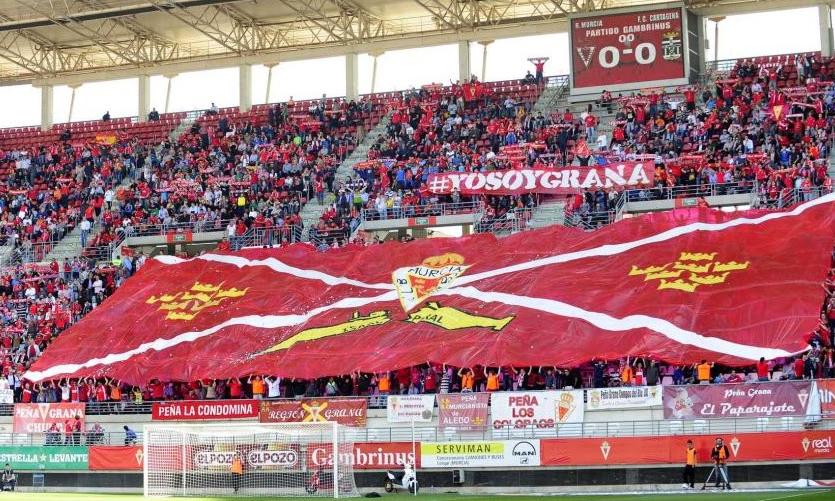Real Murcia: il colore granata conquista il mondo