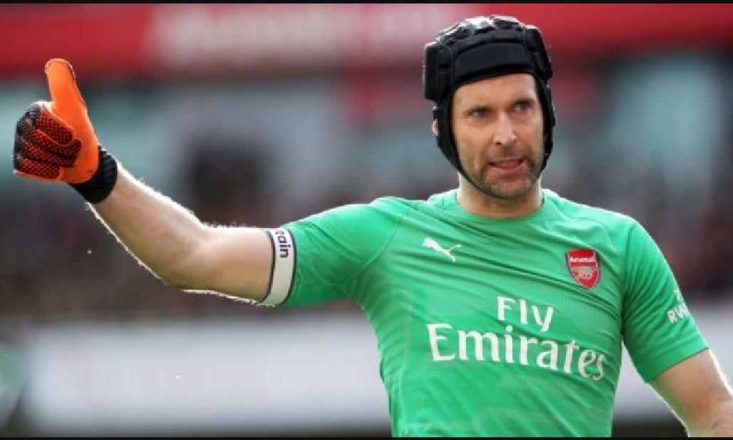 Petr Cech saluta il calcio giocato