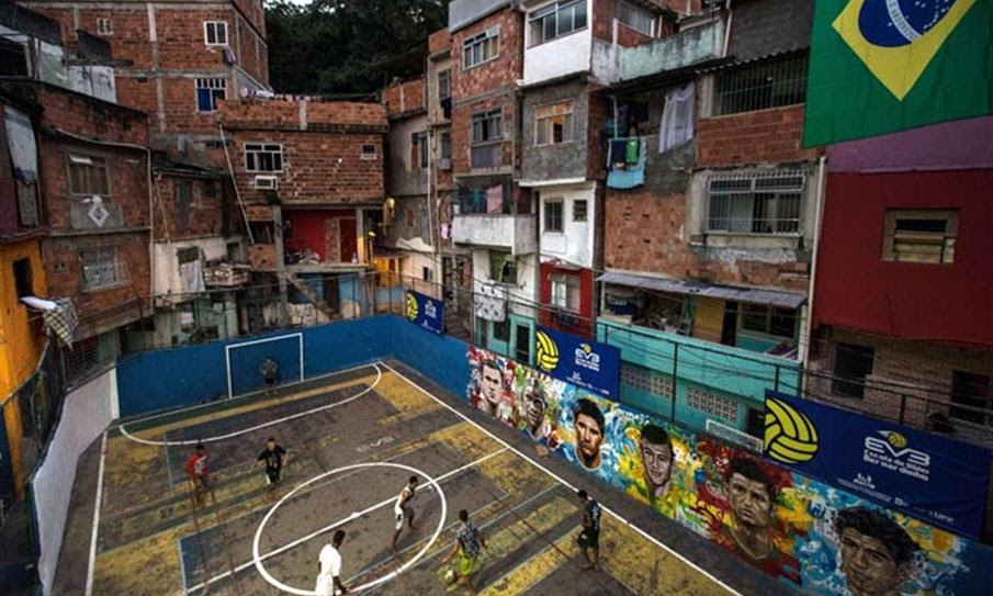 L'altro lato del calcio: le favelas e i loro grandi campioni
