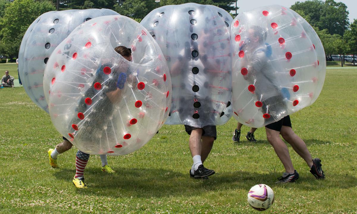 Covid 19 e le bolle del calcio... che scoppiano