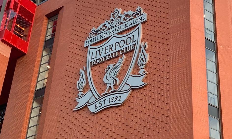 """Viaggio in Premier: il match day e la poesia di """"Anfield"""""""