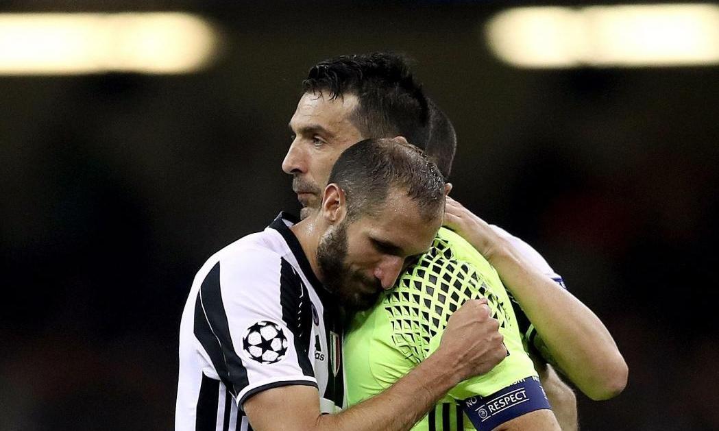 Buffon ritorna. Ma la fascia di capitano?